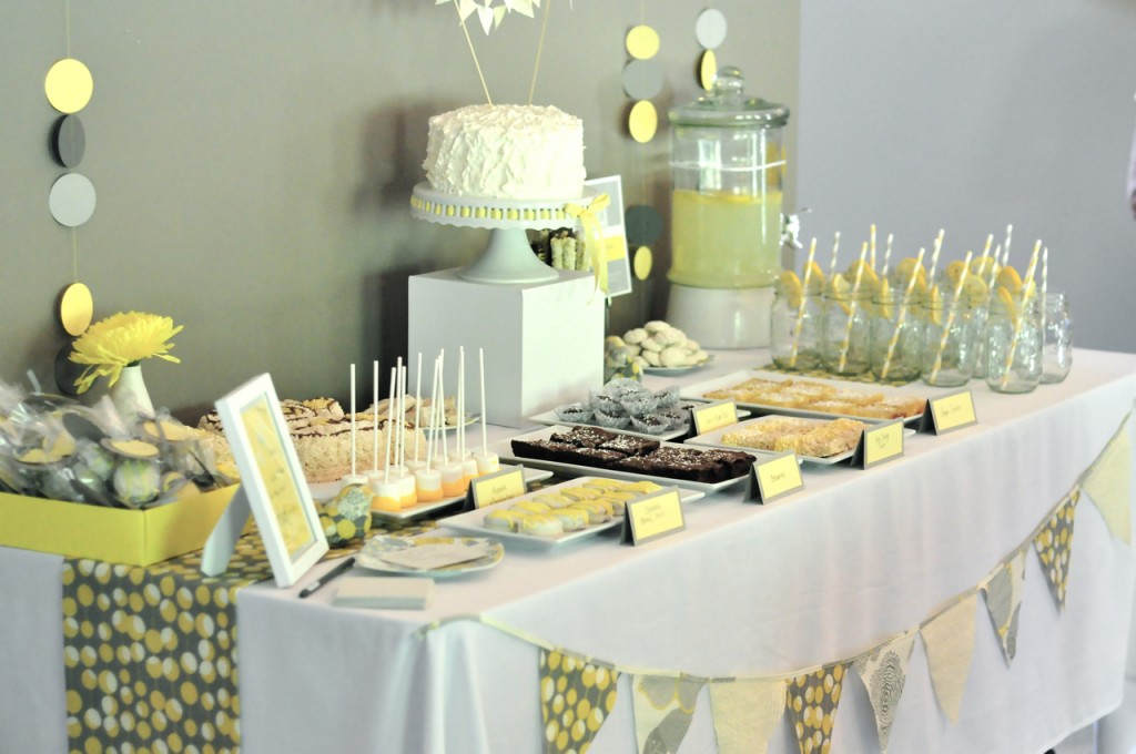amarillo y gris mesa