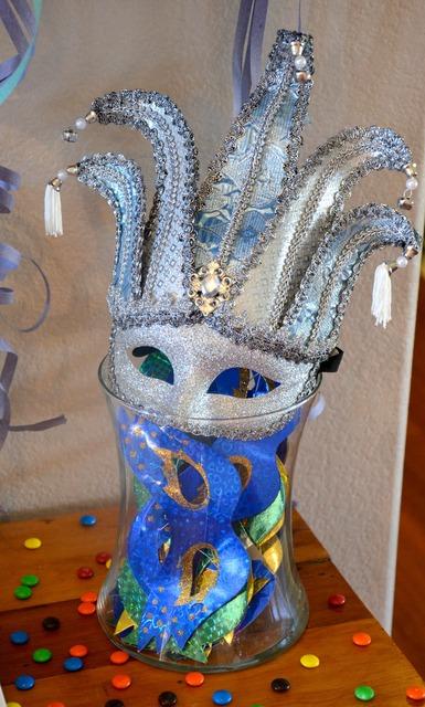 Se me antoja celebrar el carnaval semeantojaunafiesta - Mascaras venecianas decoracion ...