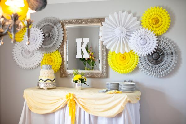 gris y amarillo limonada rosetones