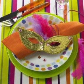 mascara y plato