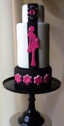 tarta rosa y negra elegante