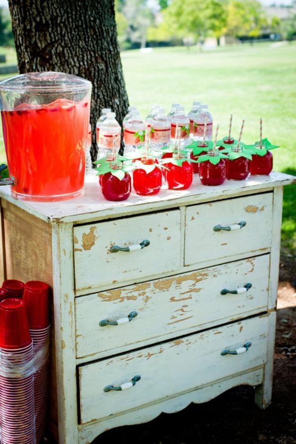 mesa bebidas fresas
