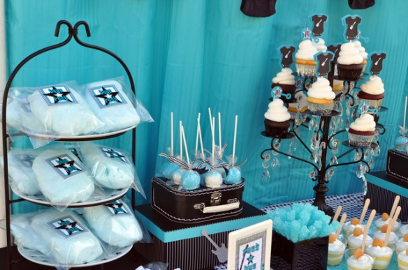 babyshower azul rock - dulces