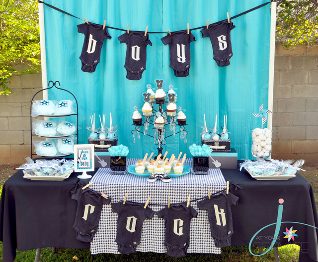 babyshower azul rock - mesa dulces