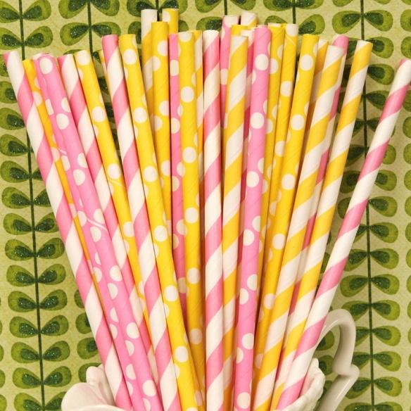 Fiesta pink lemonade - limonada rosa - pajitas