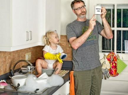 el mejor padre del mundo - fregando platos